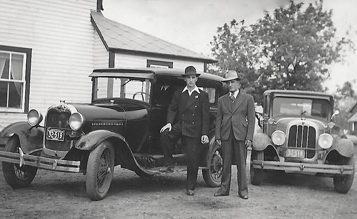 1928-JE-Lavigne-Cars
