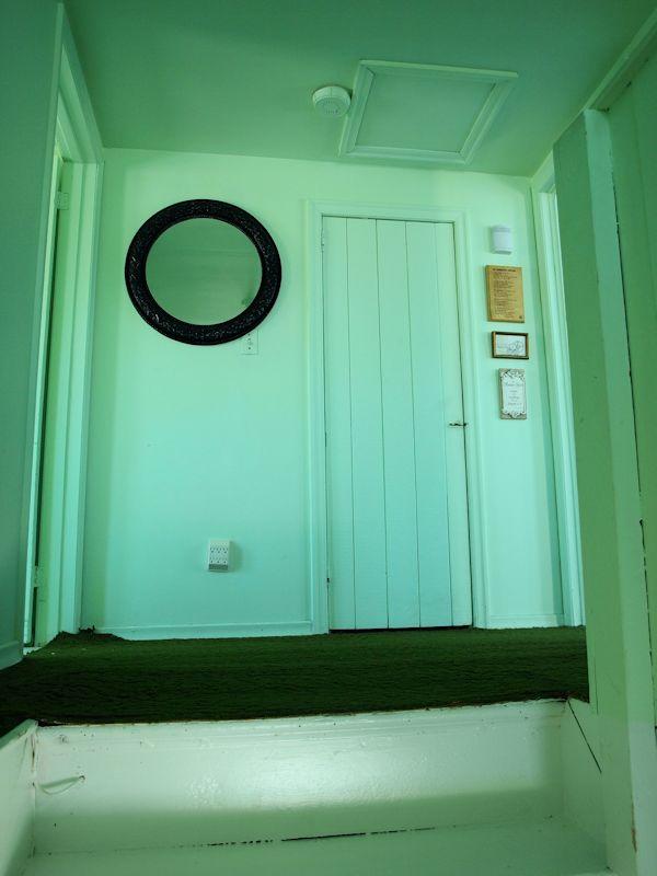 UpstairsLanding1